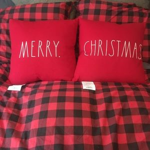 NWT Rae Dunn MERRY & CHRISTMAS Pillow Set